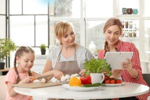 Die richtige Ernährung ist ausschlaggebend für eine gesunde Haut. EGF Serum unterstützt gesunde Haut.